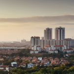 Petaling Jaya – Esta ciudad de Malasia es una de las pocas en el mundo que recompensa a los residentes por un comportamiento respetuoso con el medio ambiente, a través de la devolución de hasta el 100% de los impuestos por la adopción de medidas de uso doméstico de la energía, el agua, la biodiversidad, el transporte, los residuos y otras iniciativas verdes.