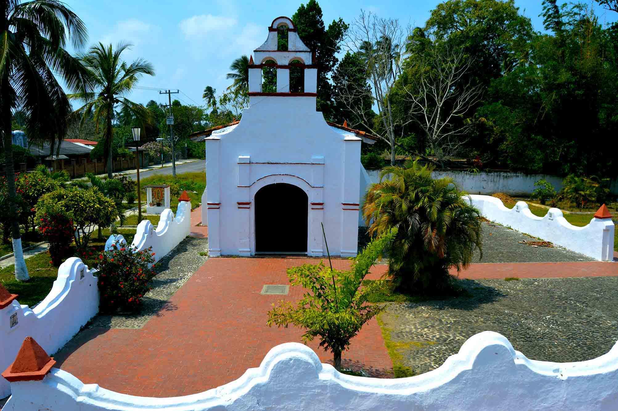 3. La Ermita del Rosario en La Antigua (Veracruz), se construyó en 1523 por órdenes de Hernán Cortés y fue promovida por los franciscanos.