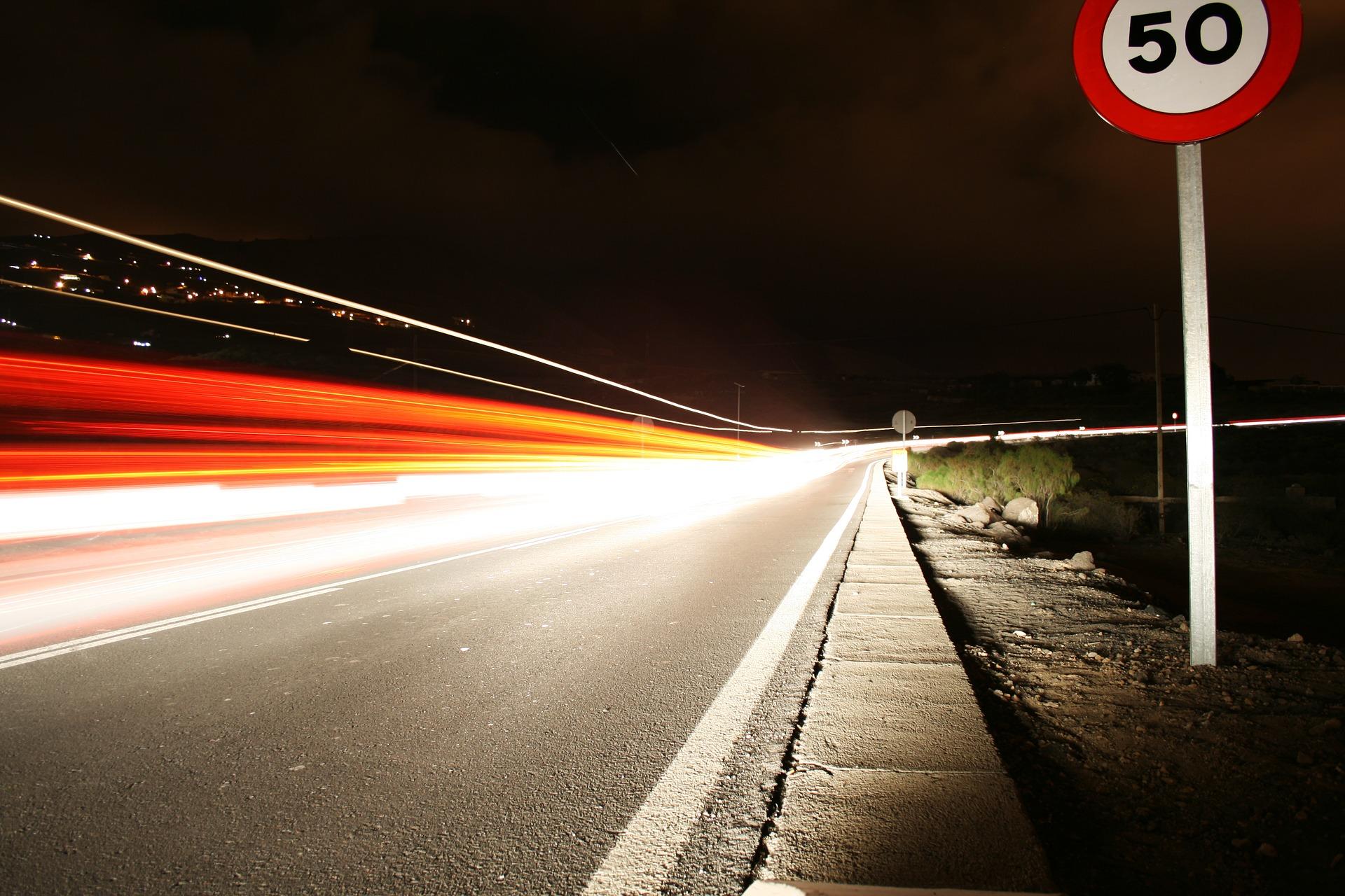 4. El control de la velocidad reduce las lesiones por accidentes de tránsito, pero solo 47 países tienen leyes que se ajustan a las prácticas óptimas con respecto a la velocidad en las ciudades, es decir, una velocidad máxima de 50 km/h.