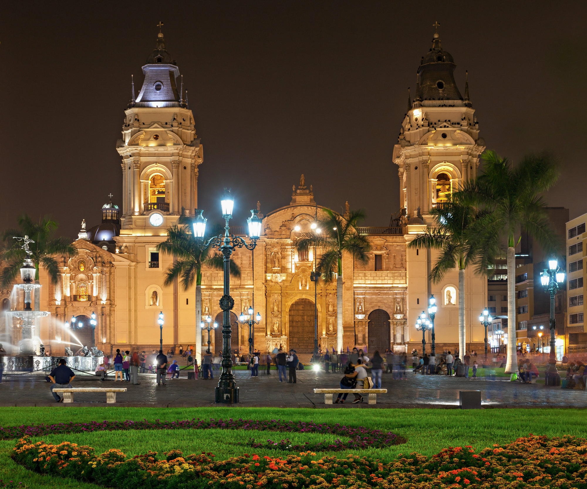8. La Catedral de Lima fue edificada en el lugar donde estuvo el adoratorio inka del puma inti. El conquistador Francisco Pizarro puso la primera piedra en 1535.