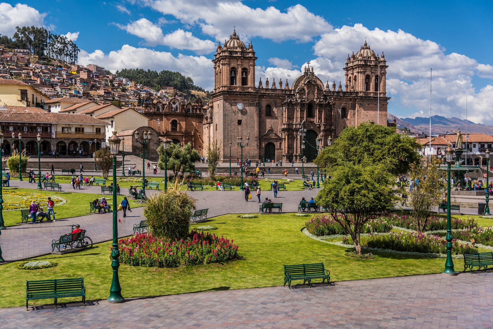 9. La primera catedral de Cusco es la Iglesia del Triunfo, construida en 1539 sobre la base del palacio de Viracocha Inca. En la actualidad, esta iglesia es una capilla auxiliar de la Catedral.