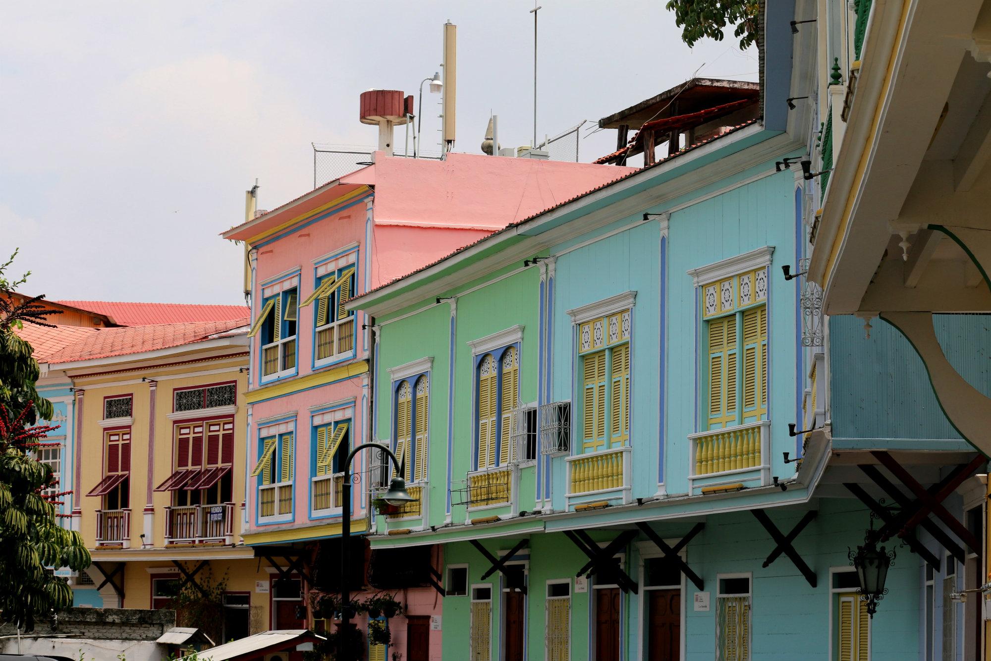 El barrio Las Peñas es el barrio más antiguo de Guayaquil. En los últimos años ha vivido un proceso de transformación para pasar a ser una de las principales atracciones de la ciudad.