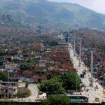 Medellín (Colombia) fue la primera ciudad en el mundo en usar los cables aéreos como medio de transporte público masivo. El alcalde Luis Pérez (2001-2003), desarrolló en su gobierno el primer cable en la zona nororiental de la ciudad, una de las más violentas de Medellín y que se transformó a partir de este proyecto. Fue inaugurado en 2004. Foto: Archivo.