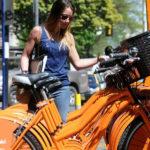 Rosario tiene uno de los mejores sistemas públicos de bicicletas del país, que puede ser usado para conocer la ciudad desde otra perspectiva. El sistema supera los dos mil viajes diarios, tiene rodando 377 bicicletas y completó recientemente 42 puntos de anclaje.