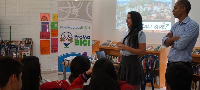 Cali sensibiliza a sus jóvenes con el taller 'Más feliz en Bici'