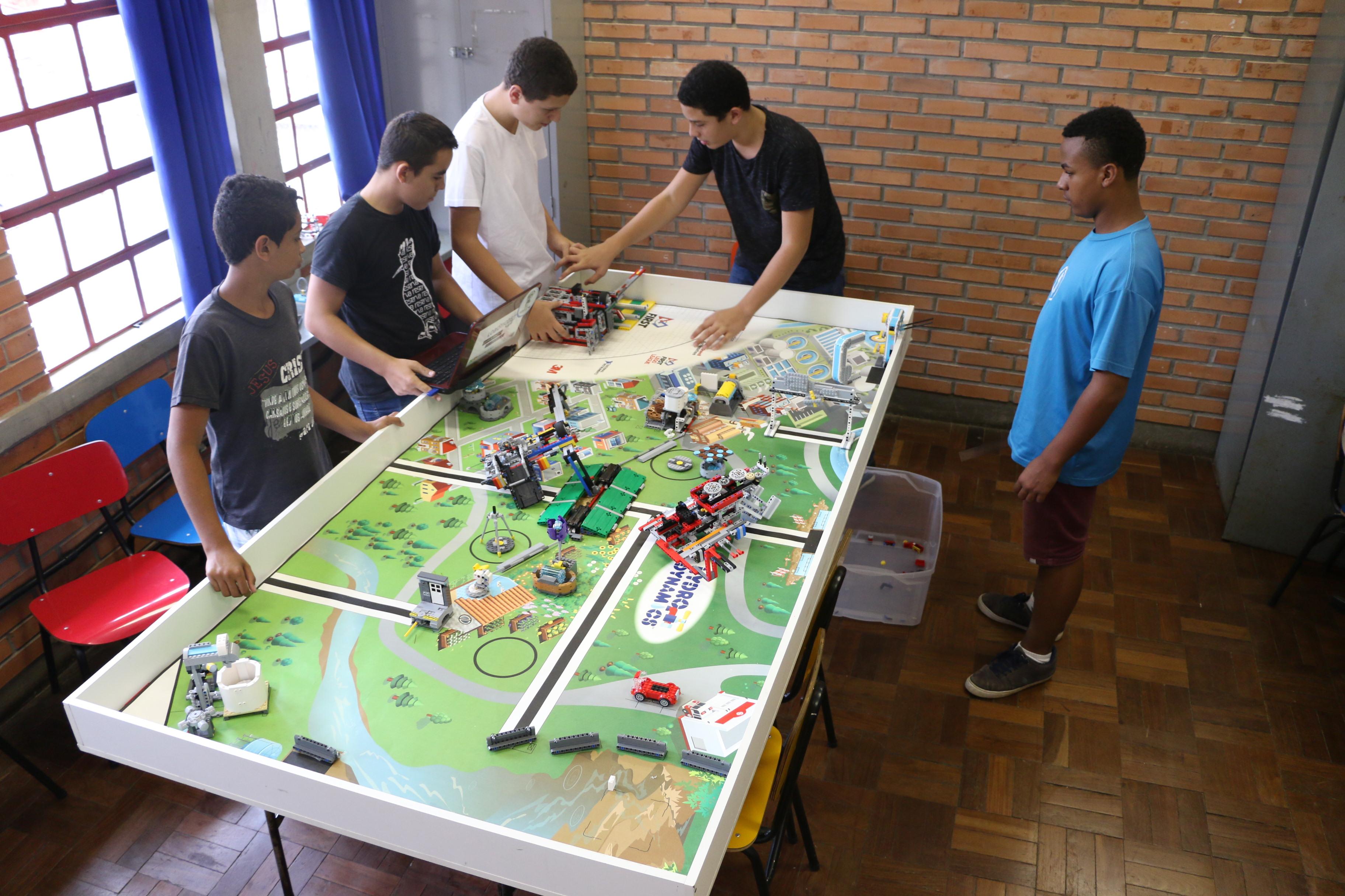 Certamen de robótica en Curitiba buscaba soluciones para la escasez de agua