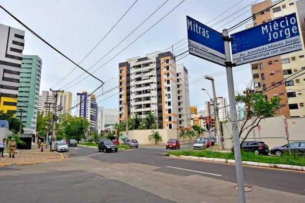 São Luís renueva la señalización en sus barrios en favor de movilidad segura