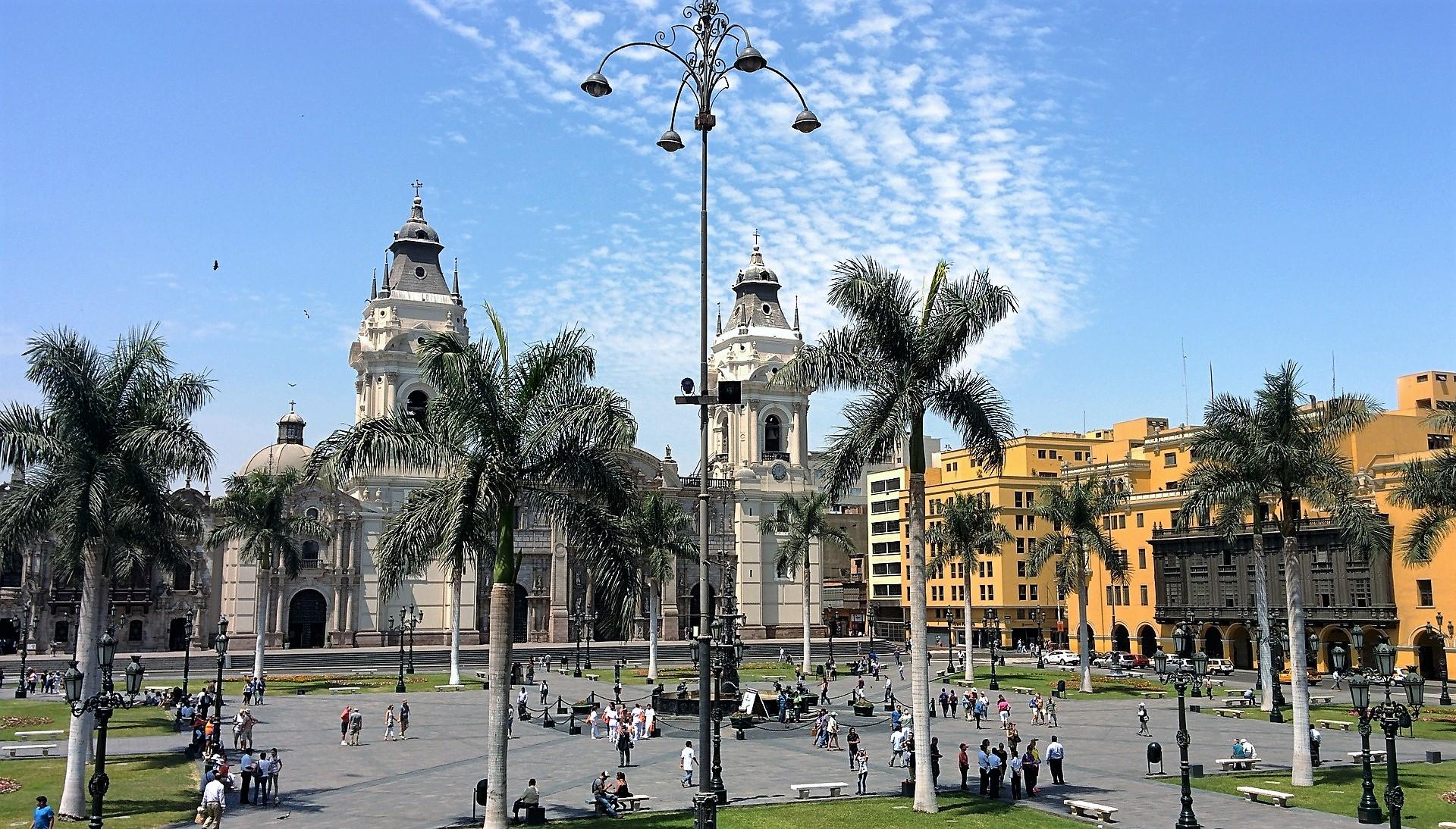 Lima ve crecer la pobreza y la percepción de corrupción