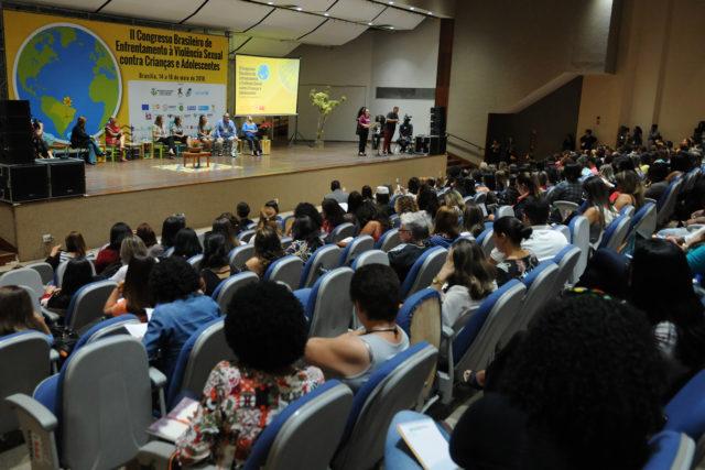 En Brasilia, expertos analizan la violencia sexual contra niños y adolescentes