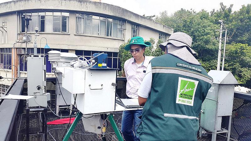 Identifican bacterias potencialmente nocivas en aire de Medellín