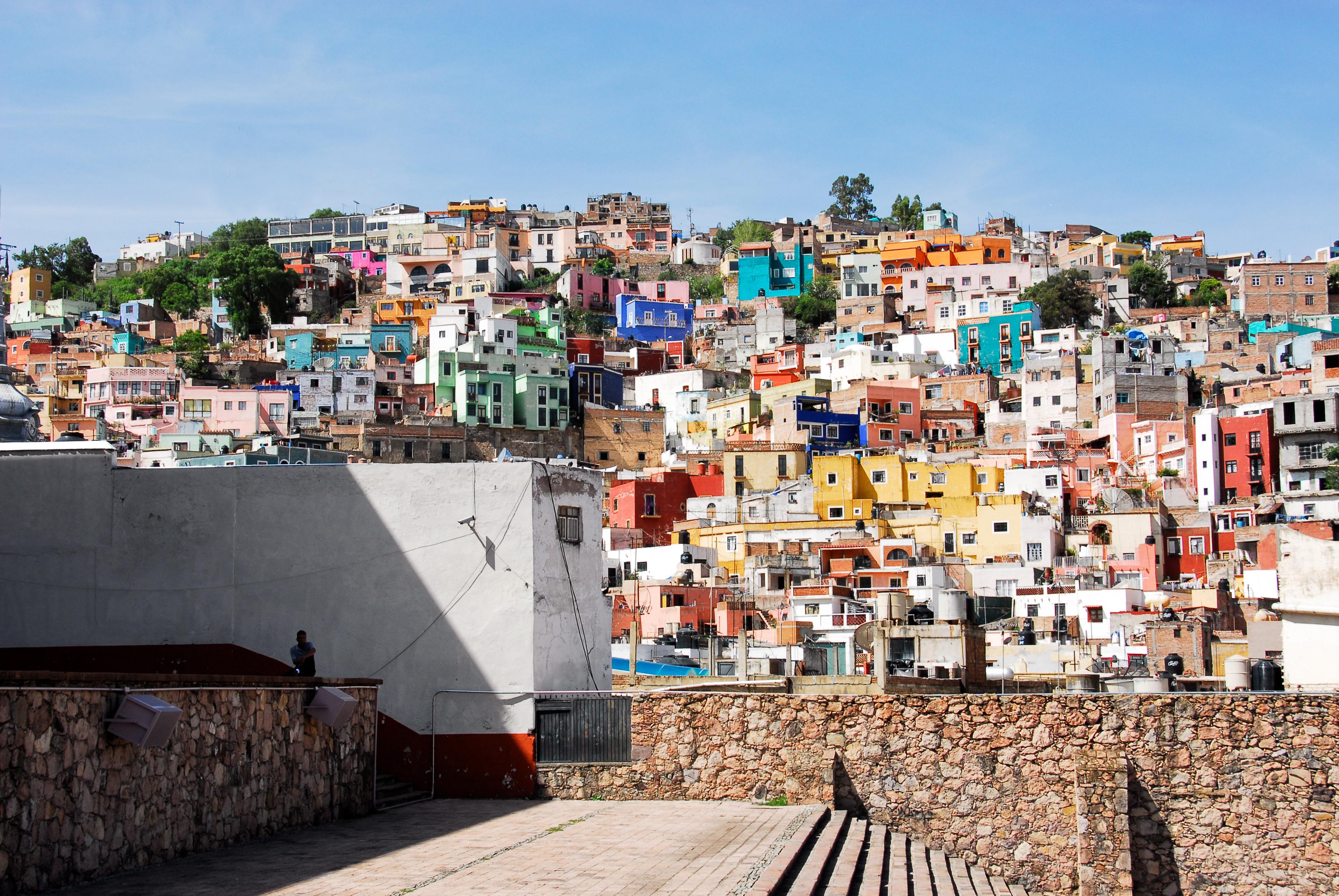 Desafíos para la política social y las ciudades en América Latina (Entrevista con Diego Sánchez-Ancochea)