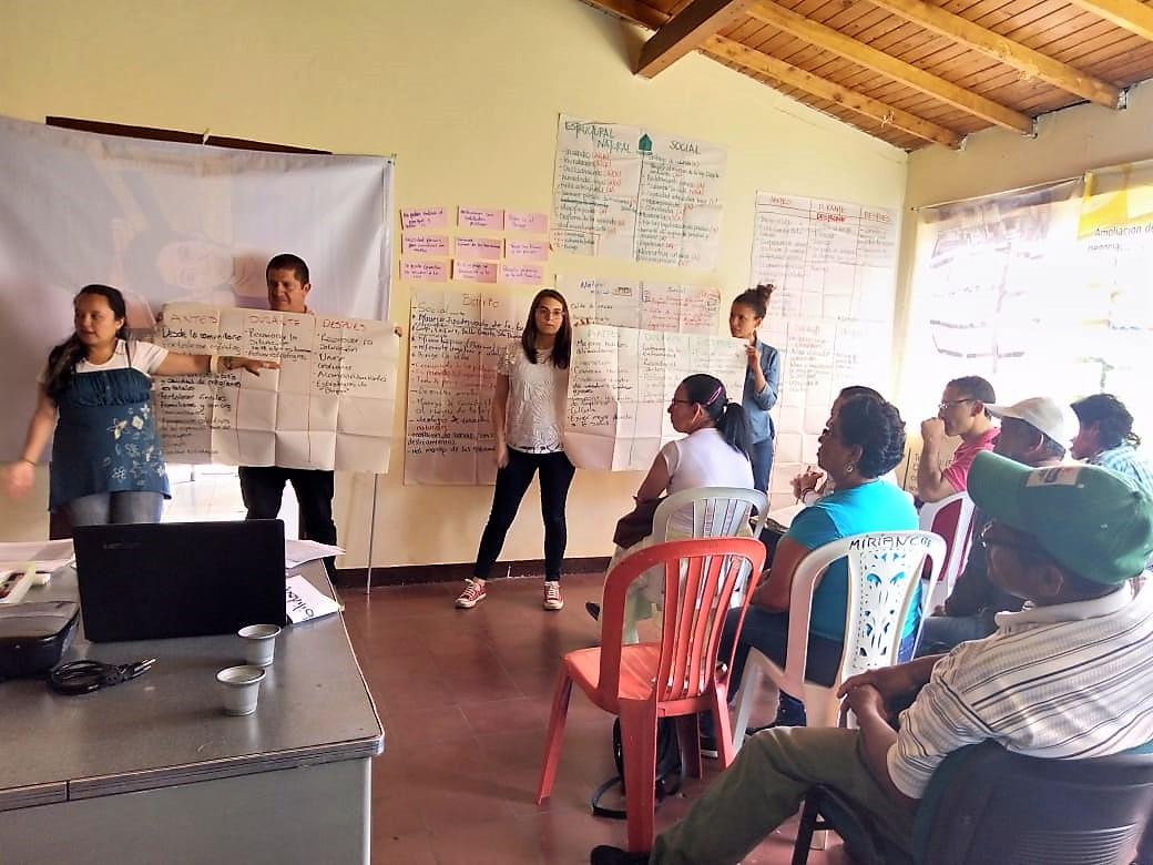 Escuela de Barrios de Ladera: diálogo de saberes para proponer una mejor ciudad