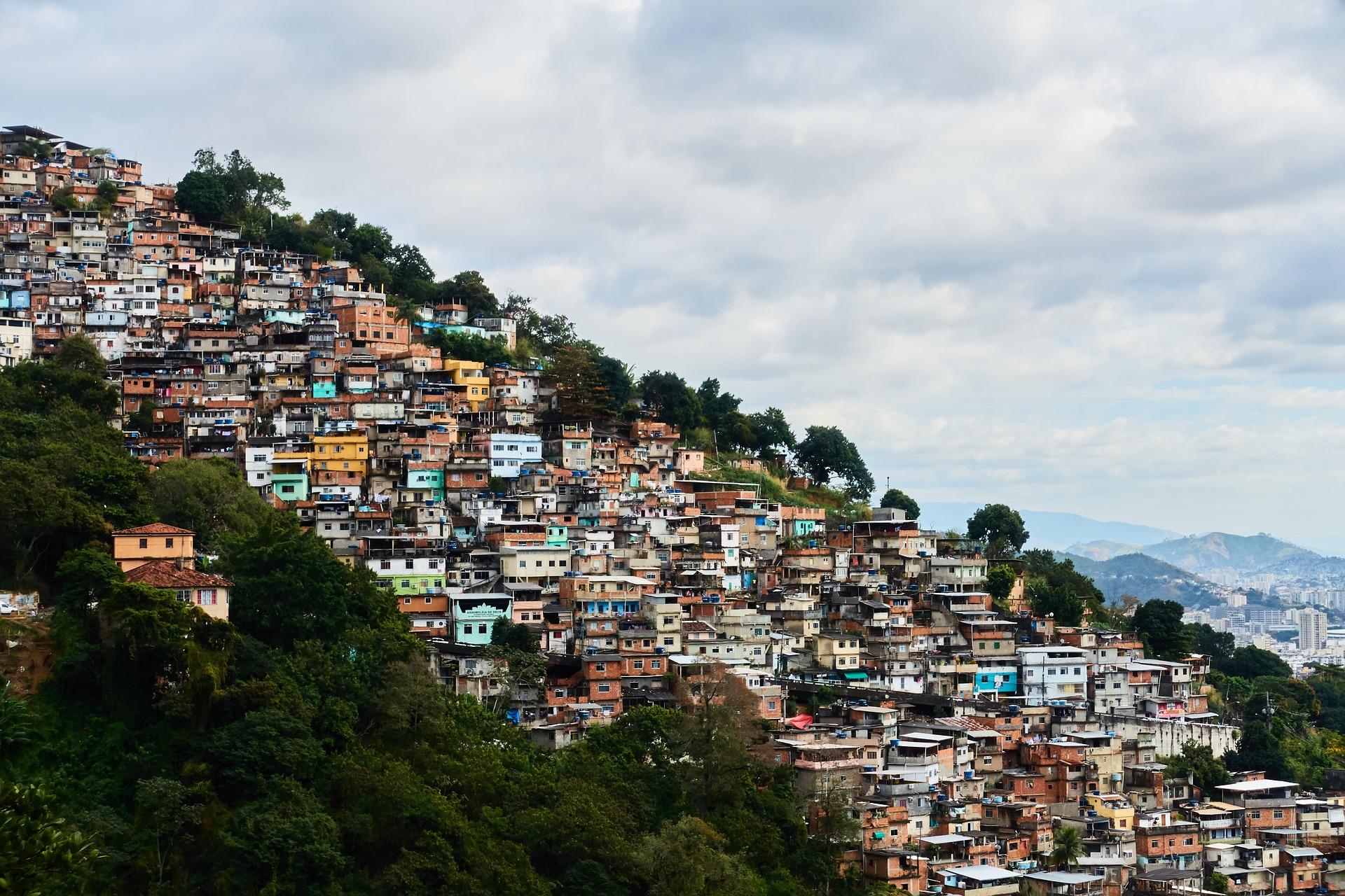 Viviendas informales, patrón de urbanización en América Latina