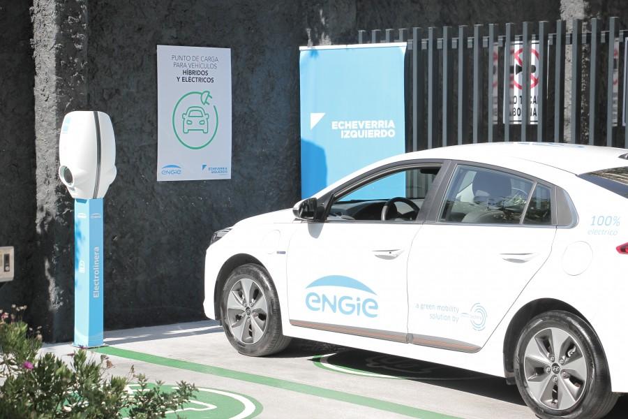 Chile tiene el primer proyecto inmobiliario residencial con líneas de carga eléctrica para vehículos