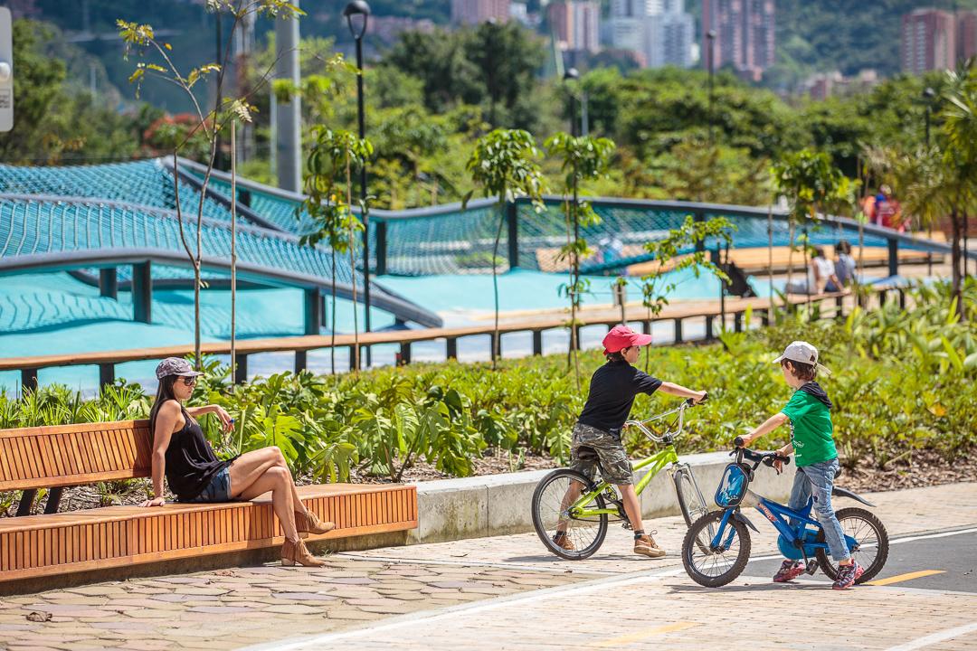 Ocupa Tu Calle y Parques del Río Medellín, proyectos de espacio público en Latinoamérica, fueron premiados por su innovación urbana