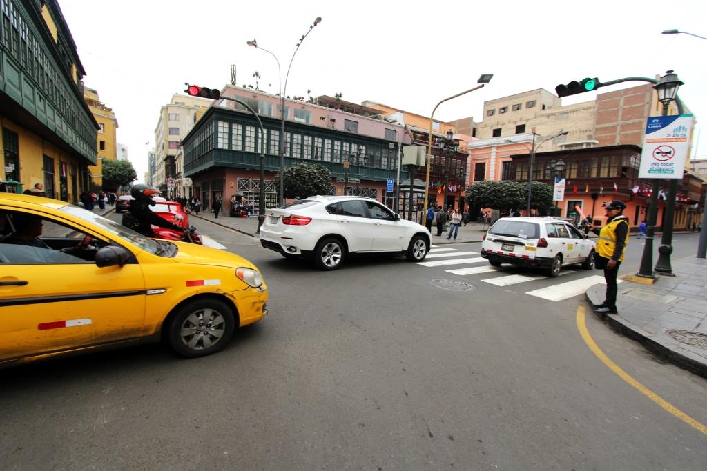 Lima reanudará el proceso de legalización de taxis
