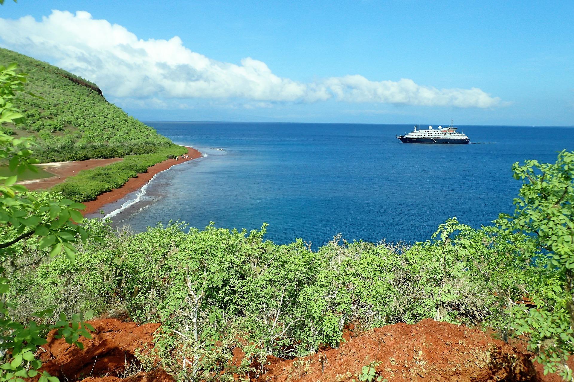 Galápagos entre la conservación natural y la amenaza de los vehículos