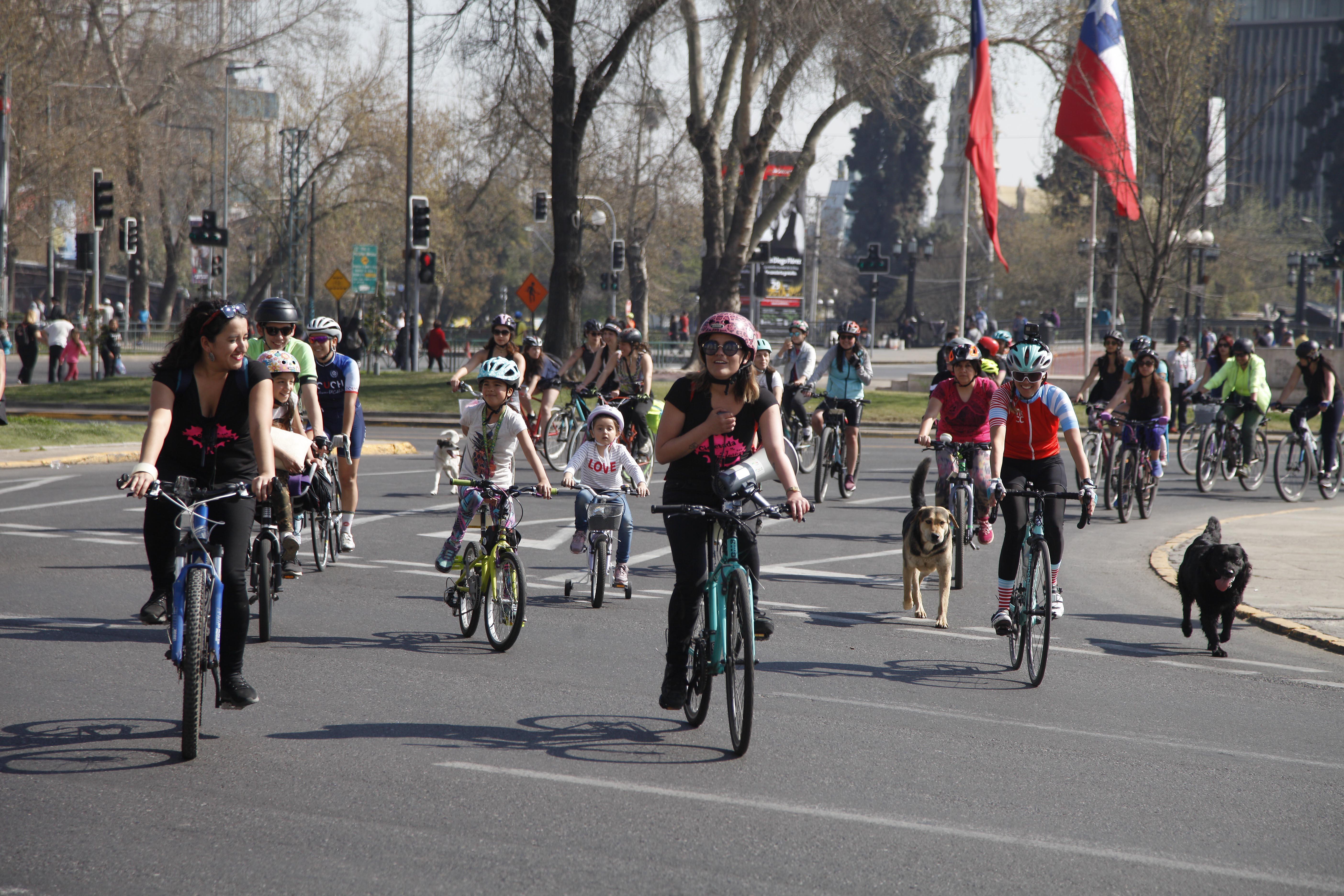 La Cicletada: niñas y mujeres de 12 países de Latinoamérica unidas por la bicicleta