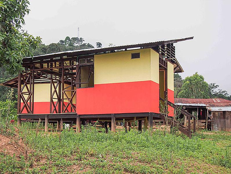 Cerca de Santa Marta, comunidad afro construye sus propias viviendas rurales saludables