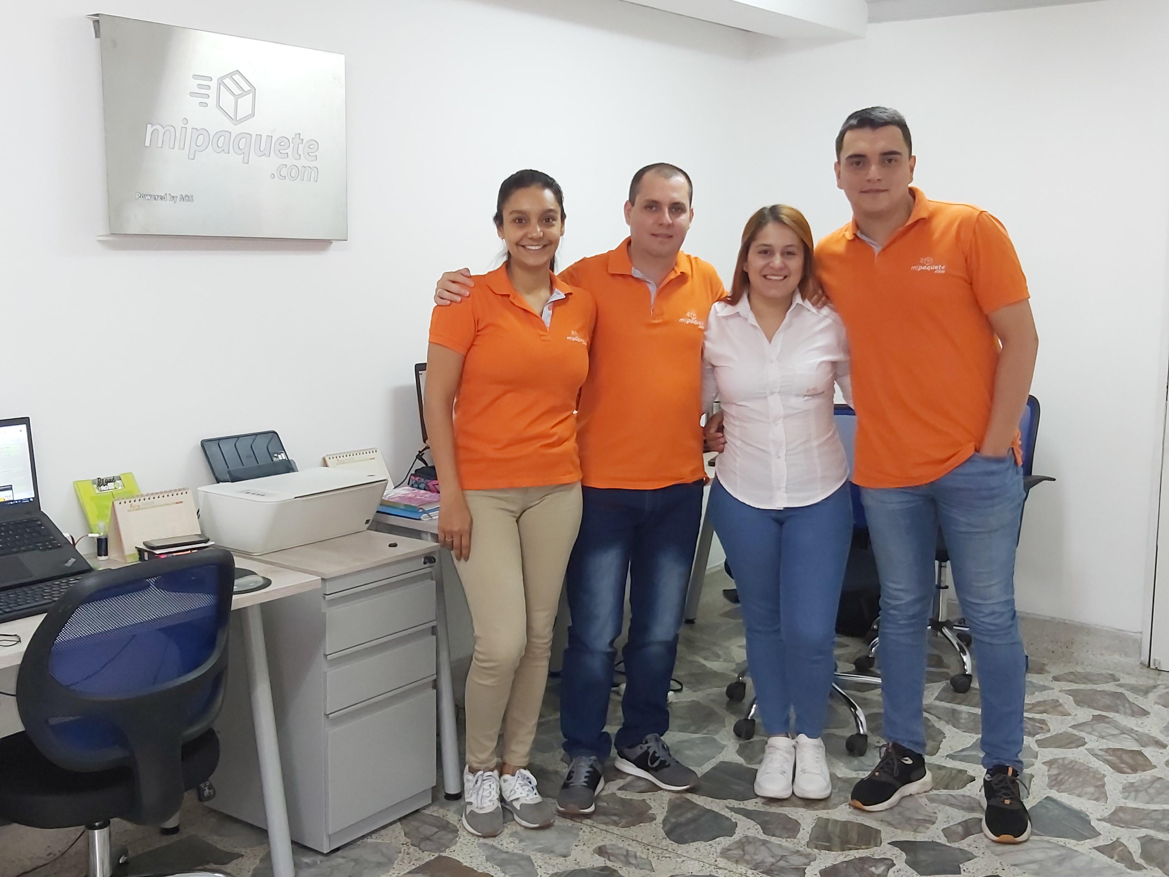Las creaciones funcionales como la plataforma mipaquete.com, están generando empleos y le aportaron a la economía colombiana COP$5.3 billones durante le primer año de gobierno del presidente Iván Duque, principal impulsor de la #EconomíaNaranja.