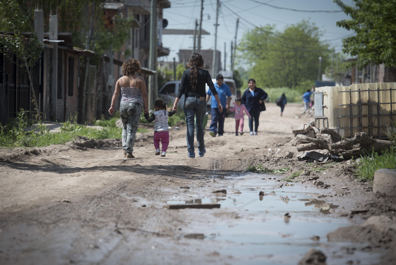 En Argentina pobreza y desigualdad aumentarían 4.6 % y 9.5 % respectivamente por COVID-19