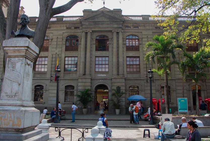 'Un centro habitado por la gente tiene mucho poder porque ella se apropia, lo cuida': Hernando Gómez