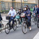 La alcaldesa de París, Anne Hidalgo, anunció el 9 de enero uno de sus más ambiciosos proyectos: la renovación del histórico bulevar de los Campos Elíseos, bajo un concepto más verde y sostenible. El proyecto responde a la ambición de la capital francesa de convertirse en una ecociudad. Foto: Alcaldía de París.