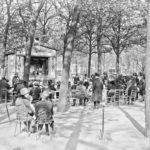 A lo largo de su historia, la avenida se convirtió en un espacio público esencial para los parisinos y, además, escenario de desfiles militares, competiciones deportivas y actividades culturales al aire libre para los habitantes de la ciudad. Foto: Agence Rol, 1926-1927