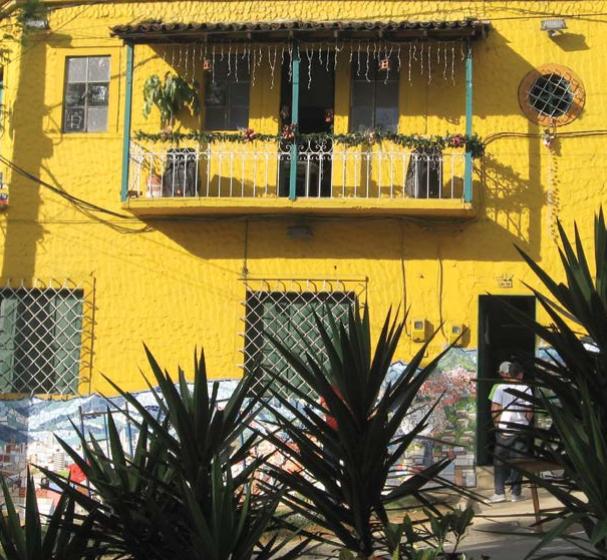 Nuestra gente: pioneros del arte desde las calles y los barrios de Medellín